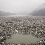 Islas de basura emergen en los Balcanes