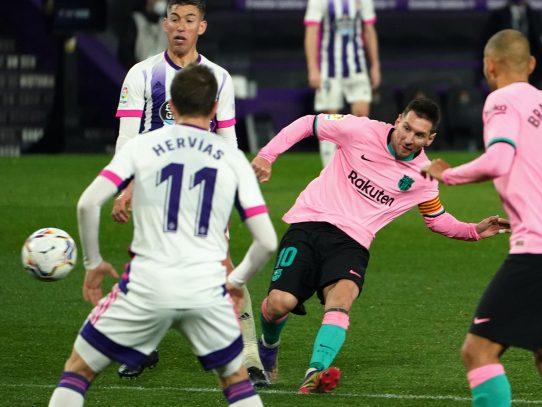 """""""No es un problema que Messi no decida ya"""" su futuro, dice Koeman"""