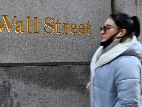 Wall Street estable en la apertura
