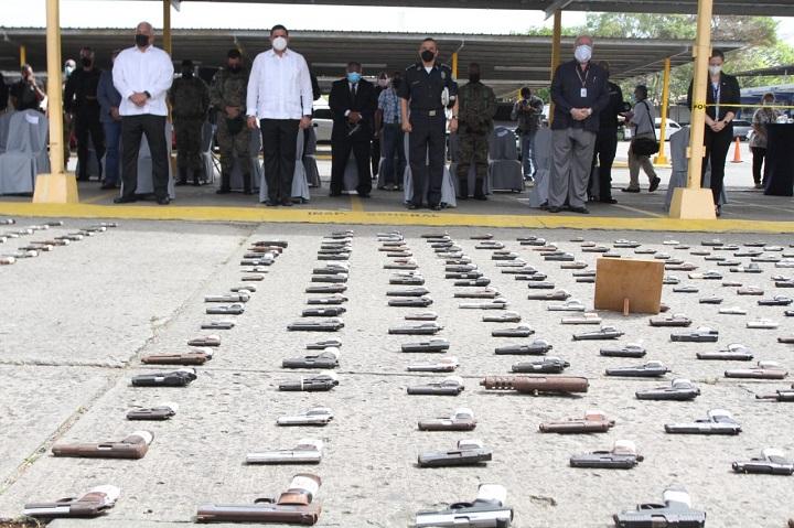 Sacan de circulación 526 armas de fuego, 96 proveedores y mil 624 municiones