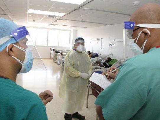HSMA capacita especialistas extranjeros para atención de pacientes COVID-19