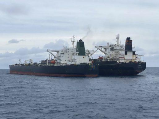 Indonesia incauta un petrolero panameño y otro iraní