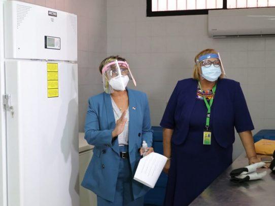 Trasladan primer congelador para vacunas COVID-19 al PAI