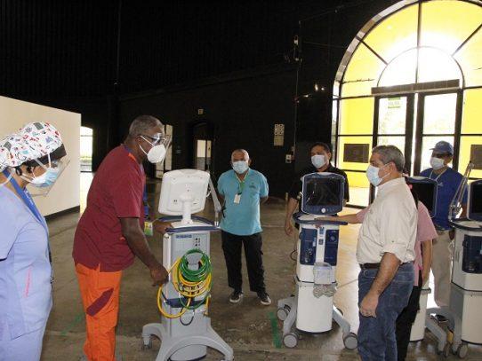 Minsa entrega equipos al Centro de Convenciones Figali para la atención de pacientes COVID-19