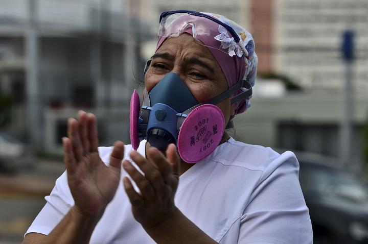 Médicos hondureños denuncian que están muriendo ante mal manejo de la pandemia por el gobierno