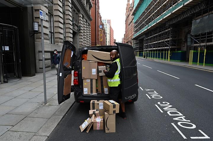 Amazon paga USD 61,7 millones a conductores por retener propinas sin consentimiento