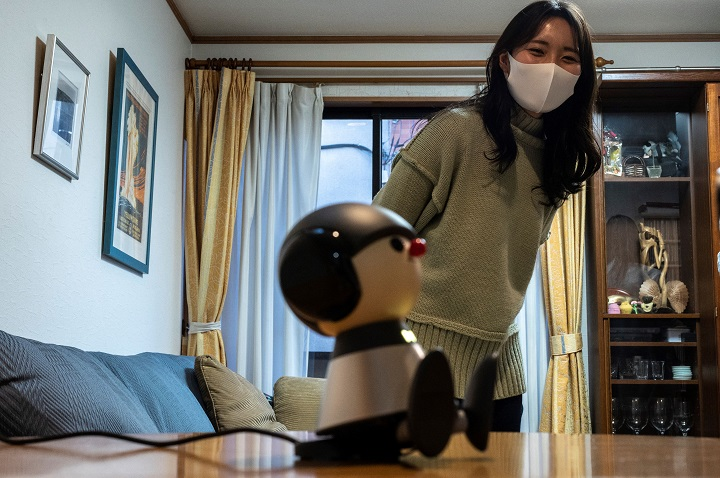 Los robots de compañía reconfortan a los japoneses durante la pandemia