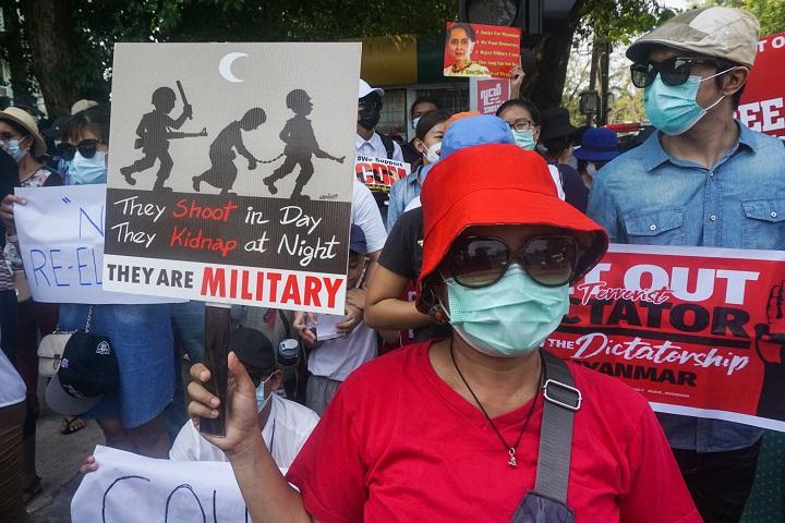 Las presiones de EEUU, la UE y el G7 se acumulan sobre la junta militar birmana