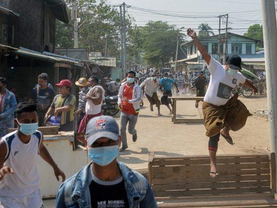 Tensión en Birmania, donde la ONU condena la represión de la junta militar