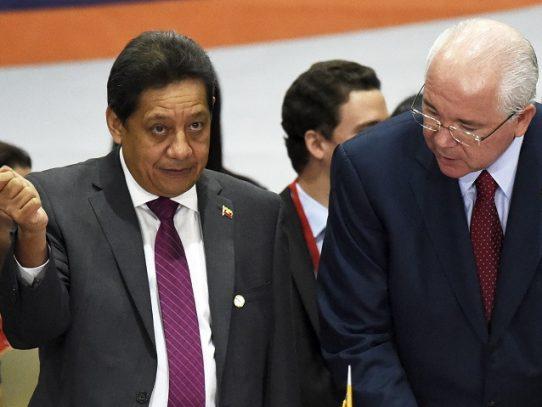 Venezuela emite alerta roja de Interpol contra exjefe petrolero acusado de corrupción