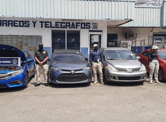 """Catorce detenidos y 15 autos recuperados en la operación """"Condado"""" en Colón"""