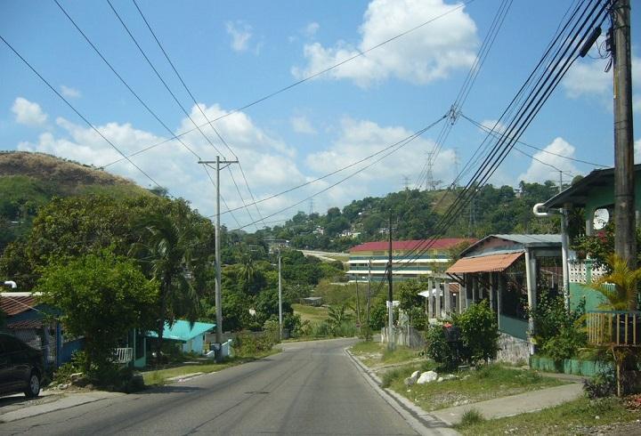 Trabajos de reposición de losas en la vía Cerro Batea desde el 2 de febrero