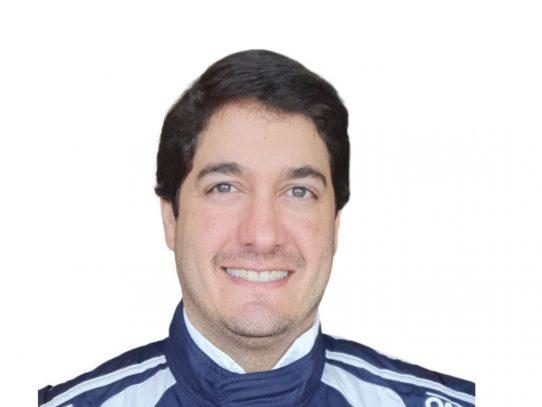 Piloto panameño Óscar Terán tendrá acción en el Circuito Internacional de Sebring en, EE.UU.