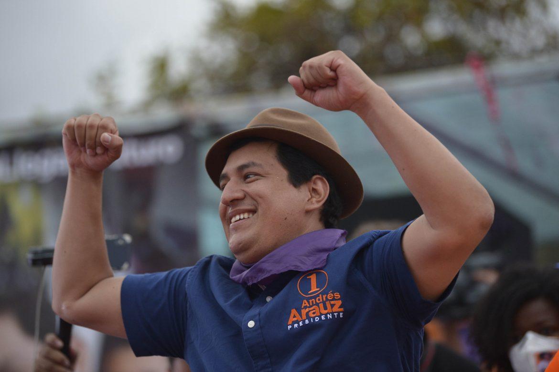 Ecuador, entre un delfín del socialismo y un exbanquero conservador