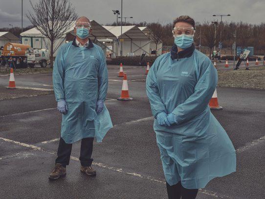 'Hice algo útil': los trabajadores desempleados hacen frente al virus en empleos temporales