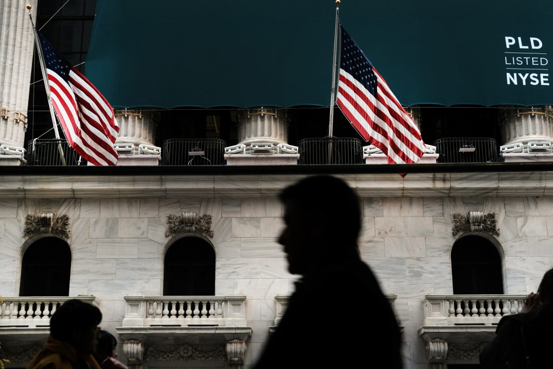Ayer Wall Street terminó dispar