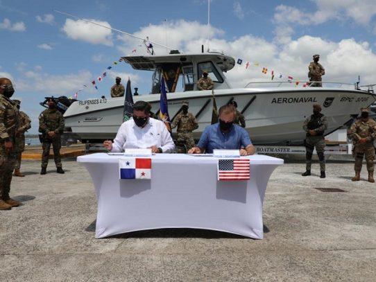 EE.UU. y Panamá firman memorando para capacitar y dotar de equipo a estamentos marítimos