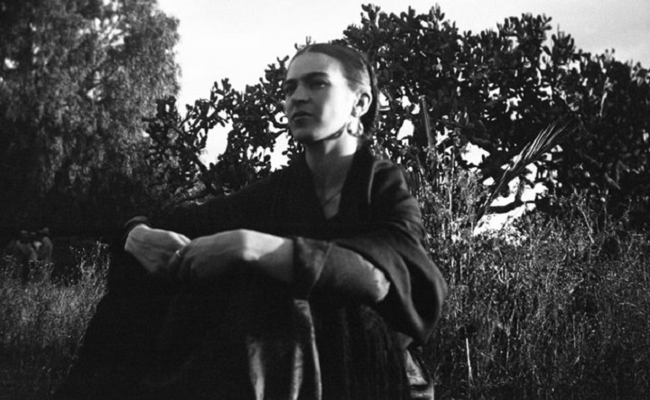 La Frida Kahlo más natural, a través del objetivo de Lucienne Bloch