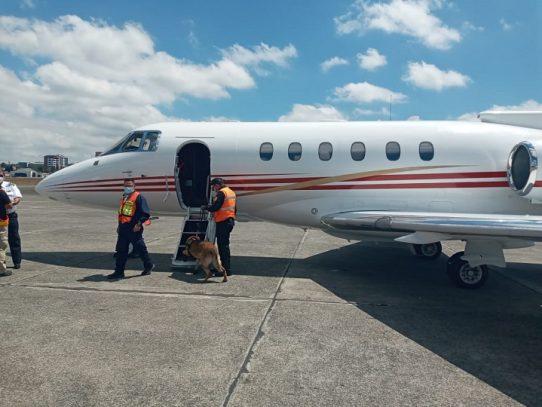 Guatemala retiene avión de expresidente panameño Martinelli, a pedido de EE.UU.