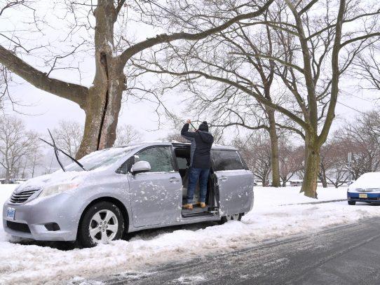 Una letal tormenta cubre de nieve el noreste de EEUU