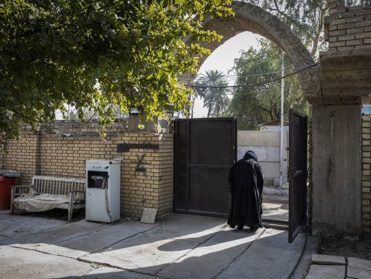 La tumba de Josué, venerado profeta, atrae a los creyentes en Bagdad