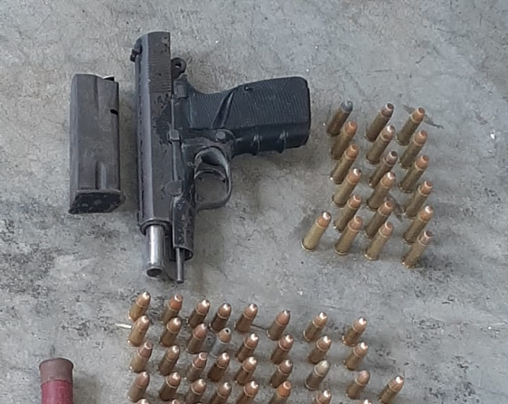 Decomisan arma de fuego en la cárcel de Nueva Esperanza