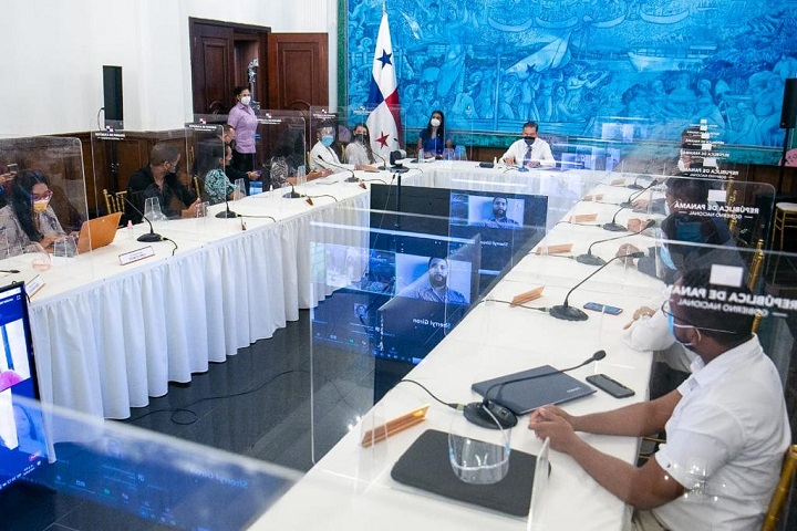 Jóvenes y presidente Cortizo conversan sobre el Diálogo Nacional
