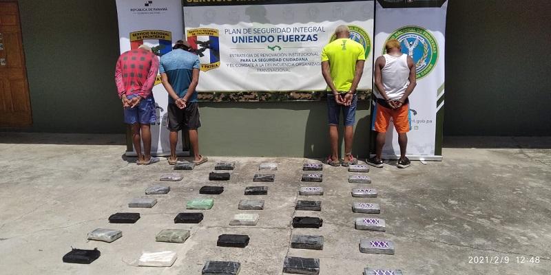 Cuatro aprehendidos y 45 paquetes con droga decomisados en Guna Yala