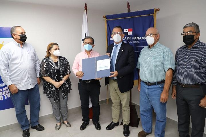 Gobierno Nacional compra 2 mil novillos para apoyar al sector productor en pandemia