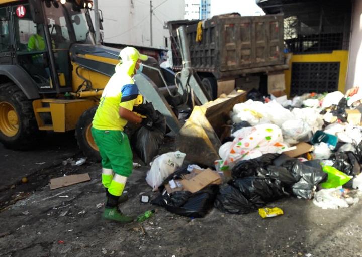 AAUD realiza una gran jornada de limpieza en Santa Ana