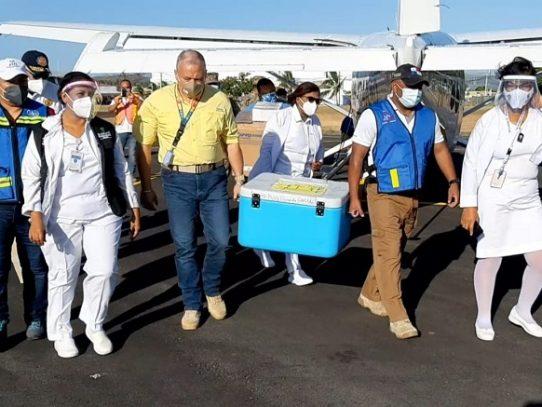 En Coclé, el nuevo lote de vacunas está destinado para personal de primera línea