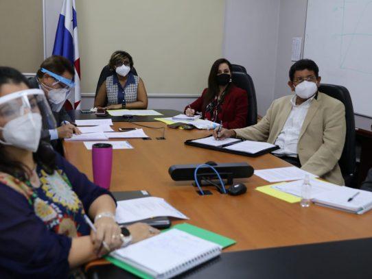 Panamá lista para recibir la vacuna de COVAX: viceministra Berrío