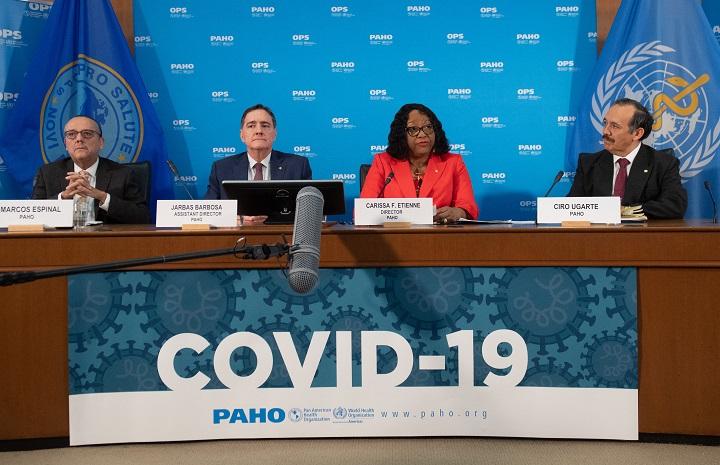 """OPS alerta sobre """"terrible"""" alza de covid-19 en Brasil e impacto en sus vecinos"""