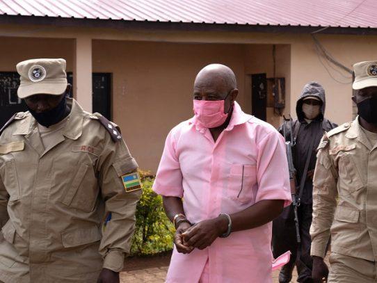 """El héroe de la película """"Hotel Ruanda"""" se niega a comparecer en su juicio"""