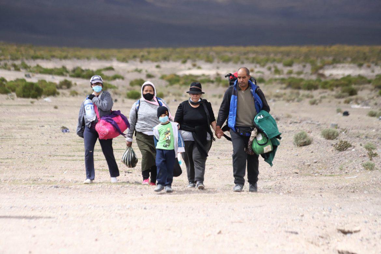 Policía chilena detiene a banda por tráfico de migrantes en frontera con Bolivia