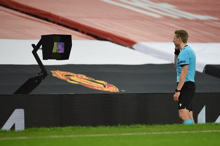 UEFA culpa a la pandemia de la falta de VAR en fase clasificatoria mundialista
