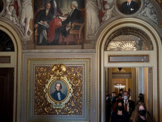 Senado de EE.UU. inicia debate del paquete de ayuda financiera por covid
