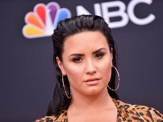 Demi Lovato dice que fue violada de adolescente en revelador documental