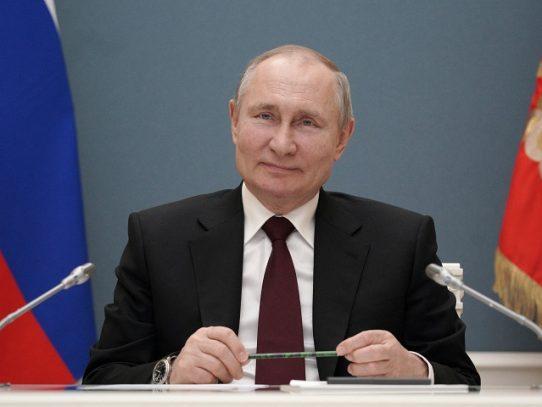 """Putin se burla de Biden, que lo consideró un """"asesino"""""""