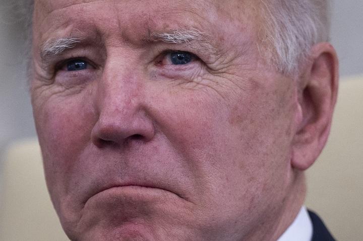 """Biden acusa a Putin de ser un """"asesino"""""""