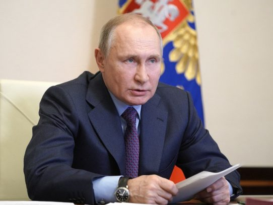 "Putin denuncia actitud ""confrontativa"" de la UE"