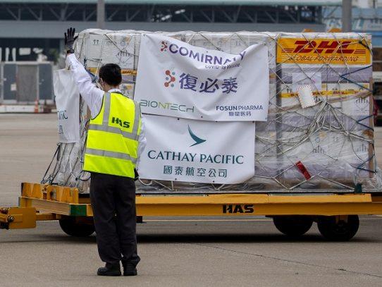 """Hong Kong y Macao suspenden vacunación con Pfizer por un embalaje """"defectuoso"""""""