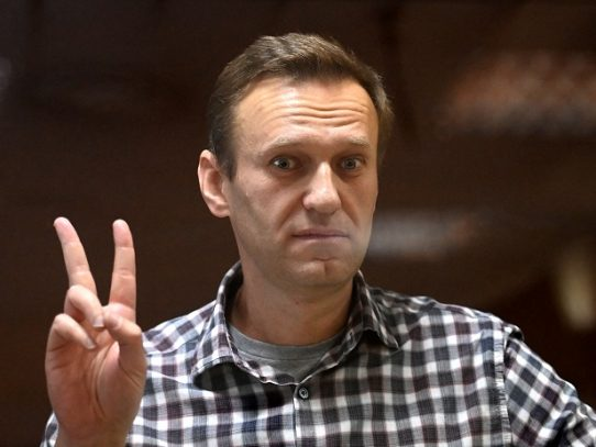Encarcelado opositor ruso Navalni, dice haber sido amenazado con ir a un calabozo