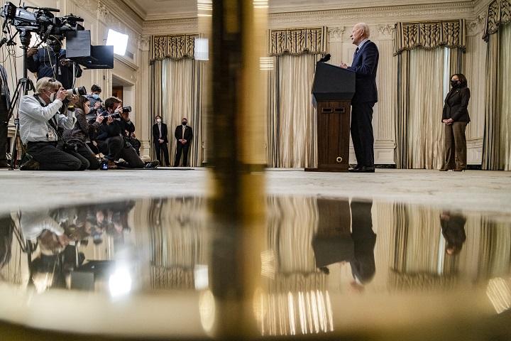 El plan de estímulo de Biden supera la etapa decisiva del Senado