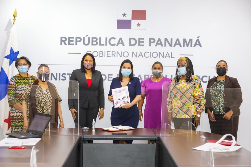 Ministra Castillo sostiene reunión con mujeres de partidos políticos