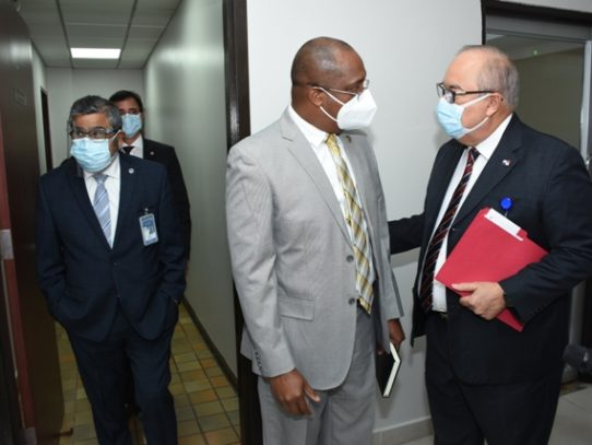 Se buscan mecanismos jurídicos para finalizar trabajos de la Ciudad de la Salud