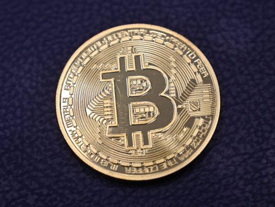 El bitcóin supera por primera vez los 60.000 dólares