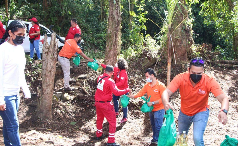 Fundación CWP entrega donativo a la Cruz Roja Panameña para llevar ayuda a damnificados en la provincia de Chiriquí
