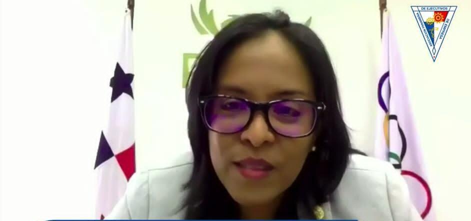 Damaris Young: Mujer Destacada del Año 2021 APEDE