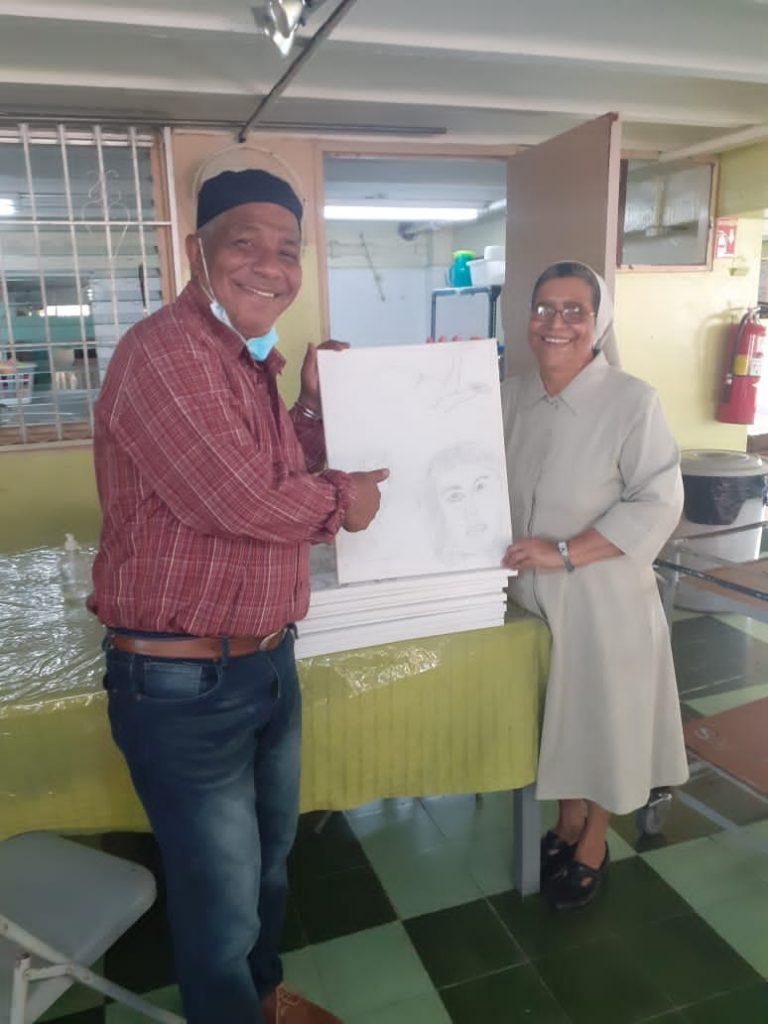 Prof. Rubén Contreras, sor Sonia Linarte, Hogar Bolivar